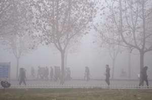 雾霾天出门回家三件事:脱衣、清洗、湿化空气