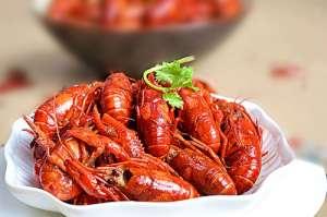 """扬州一女子吃2斤龙虾 被诊断为""""横纹肌溶解综合征"""""""